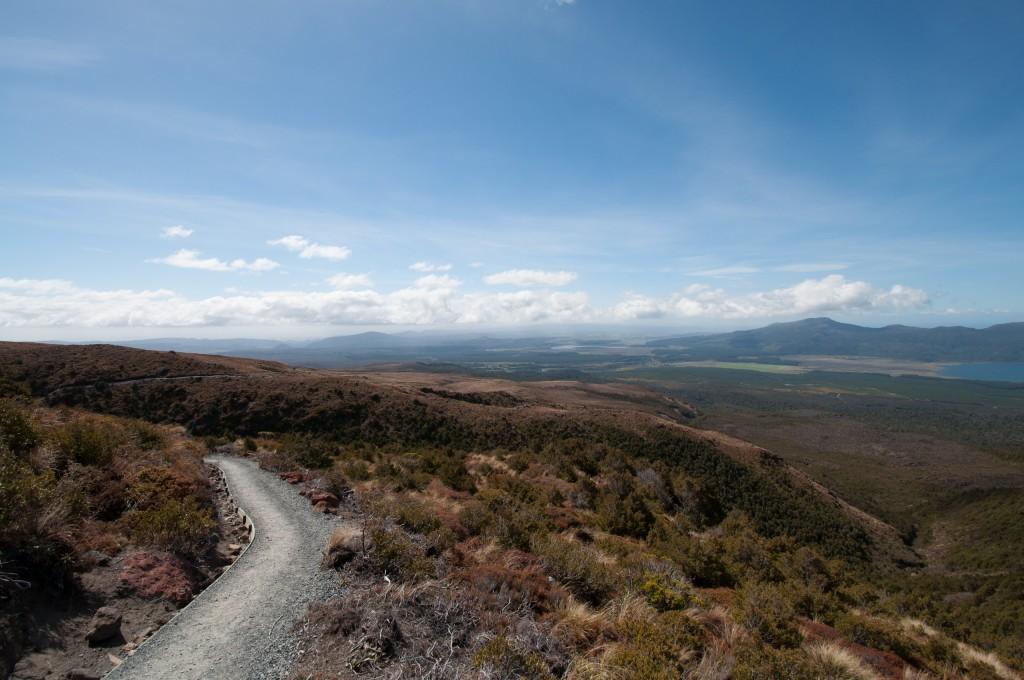 Tongariro Alpine Crossing: Ausblick beim Abstieg