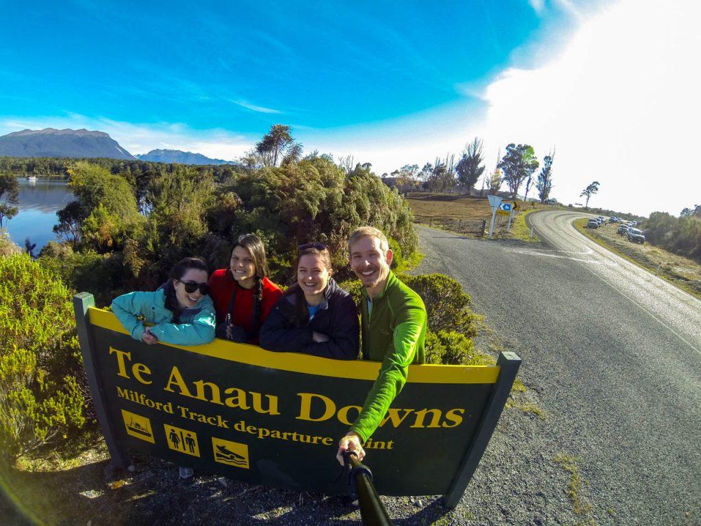 Hier geht der Milford Track los: Te Anau Downs