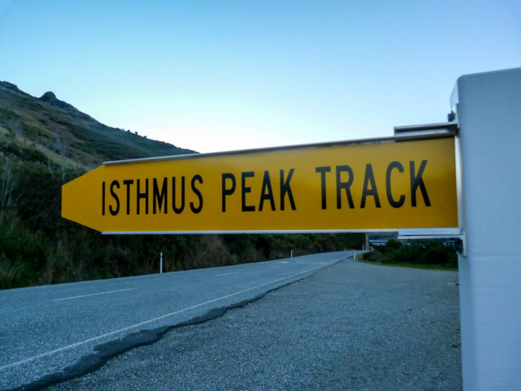Schild zum Isthmus Peak Track
