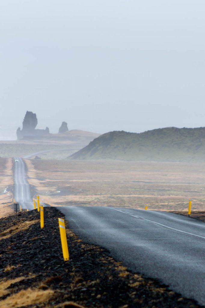 Stürmisches Wetter auf Straße auf der Halbinsel Snæfellsnes