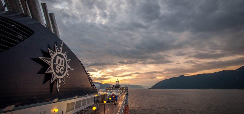 Sonnenaufgang auf Deck der MSC Musica