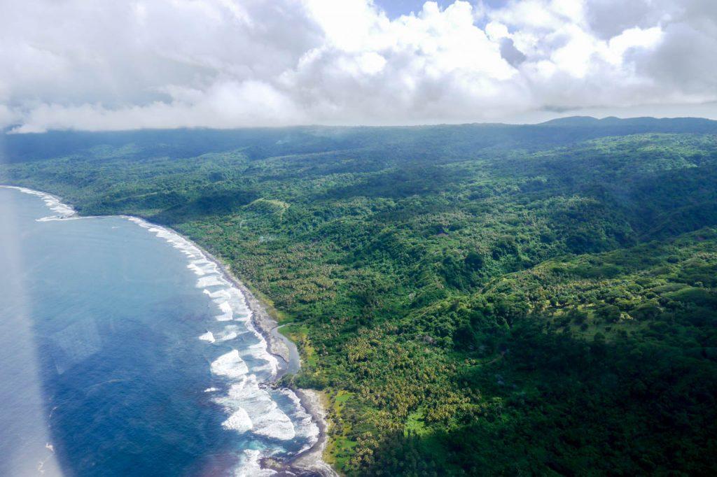 Wunderschöne Küstenlinie von der Insel Tanna