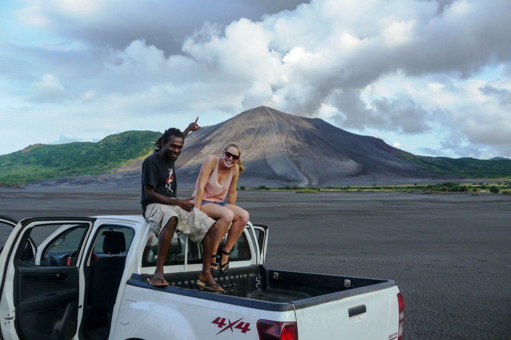 4x4 Pickup auf dem Weg zum Vulkan