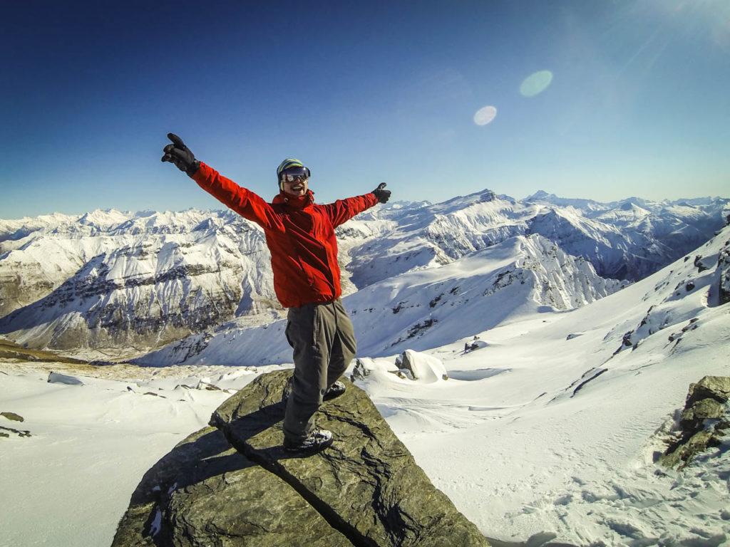 Aussicht ins Tal mit unberührtem Schnee, Treble Cone