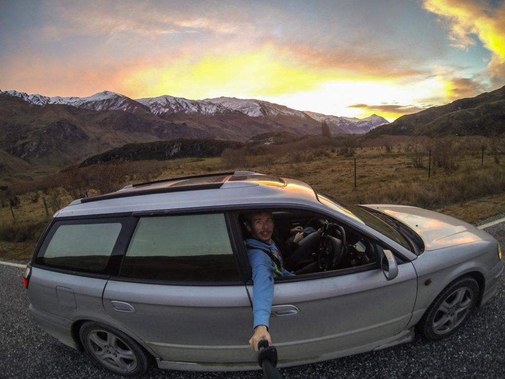 Rückfahrt durch den Sonnenuntergang im Mount Aspiring National Park